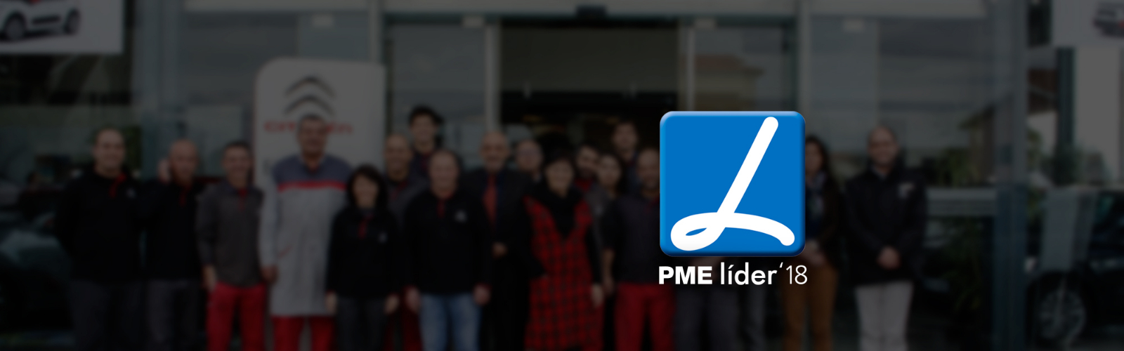 equipa Carlos Simões com logotipo de distinção de PME Líder 2018